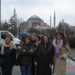 Αλέκα, Μαρίνα, Έφη, Δανάη, Μαρίνα, Λιάνα : Μια σύντομη βόλτα στην Πόλη, πριν την έναρξη του Συνεδρίου, 24/1/2011.