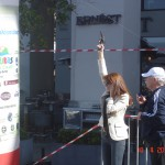 Η Λιάνα Γούτα δίνει το σύνθημα της εκκίνησης στους μικρούς δρομείς