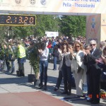 """Λιάνα Γούτα-μέλος της Οργανωτικής Επιτροπής /  Υπεύθυνη για τον """"αδελφό Μαραθώνιο δρόμο"""" του Ντουμπάι / Δήμαρχος Θεσσαλονίκης Γιάννης Μπουτάρης: χειροκροτώντας τον μεγάλο νικητή του 6ου Διεθνούς Μαραθωνίου """"Μ.Αλέξανδρος"""