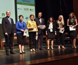 """Βράβευση και απονομή αναμνηστικών των ομιλητών και ομιλητριών του πάνελ """"Women in Leadership - Overcoming obstacles in a challenging region"""""""
